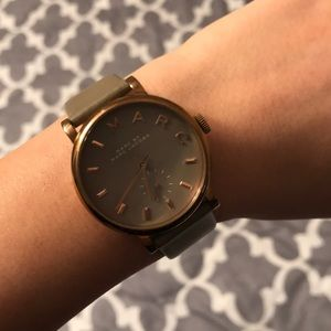 AUTHENTIC GRAY MARC JACOBS WATCH WITH BOX